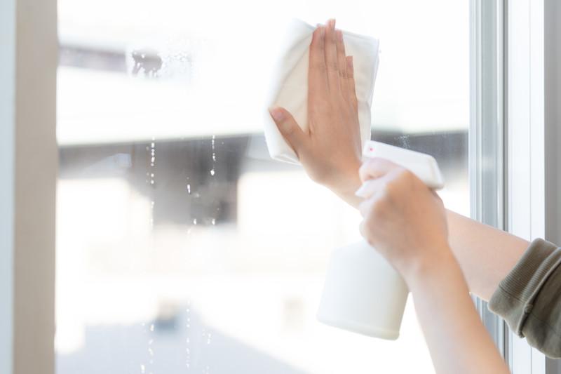 【介護保険外】訪問ヘルパーの自費サービスとは?料金や内容を徹底解説!